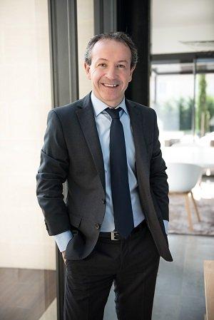 Photo du directeur Yannick Nay